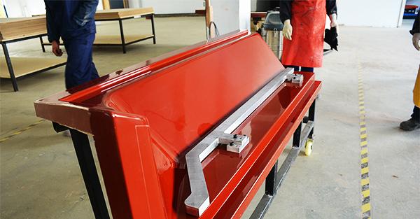 用产品翻制玻璃钢模具牺牲的可能是尺寸精度