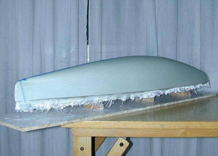 是否可以用多层环氧底漆,在船模型上提供一个坚硬的树脂外壳吗?
